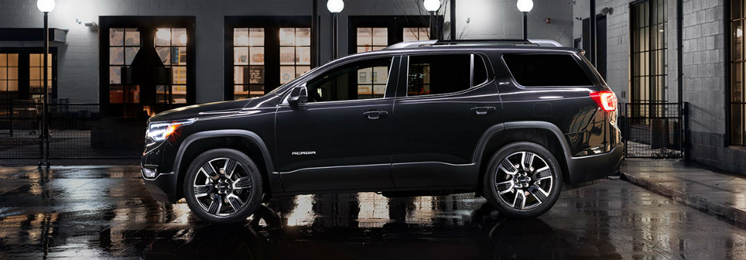 2019 GMC Acadia exterior drivers side profile at night
