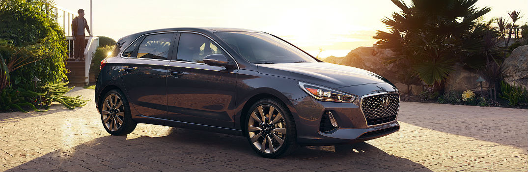 2018 Hyundai Elantra GT Photo Gallery_o