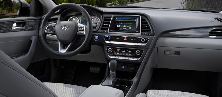 2019 Hyundai Sonata Hybrid Interior Cabin Dashboard in Gray Leather