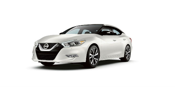 2018 Nissan Maxima Front View of Pearl White exterior