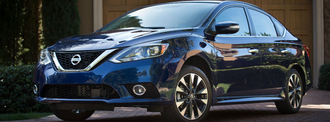 2018 Nissan Sentra Front View of Deep Blue Pearl Exterior