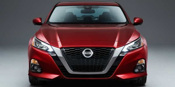 2019 Nissan Altima Front View of Red Exterior