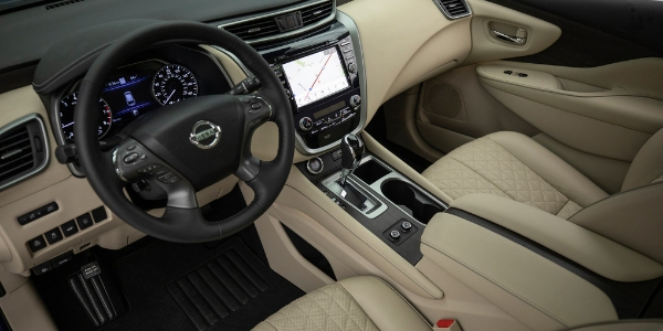 2019 Nissan Murano Angled View of Front Cabin