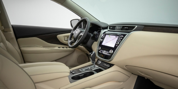 2019 Nissan Murano Side View of Front Cabin