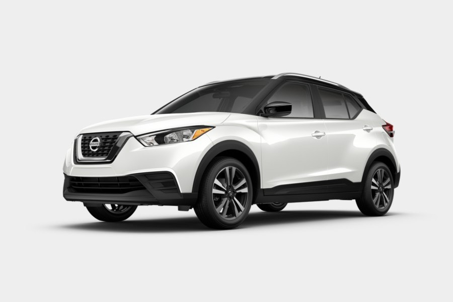 2020 Nissan Kicks in Aspen White Tricoat/Super Black color
