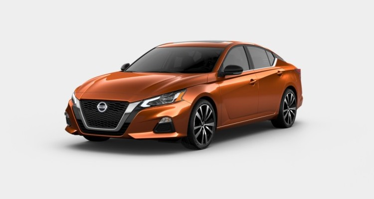 2020 Nissan Altima in Sunset Drift Chromaflair color