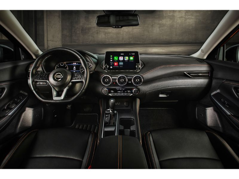 2020 nissan sentra front seating space
