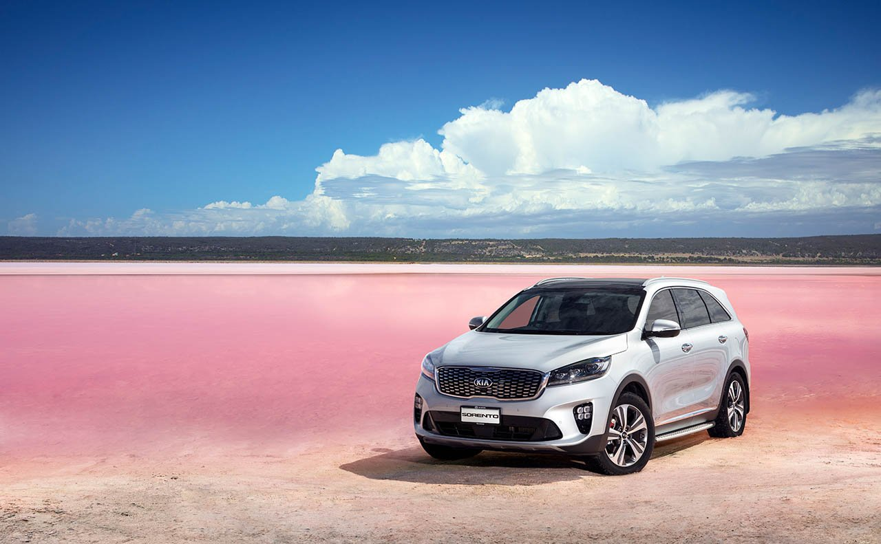 2019 Kia Sorento Front View In Desert