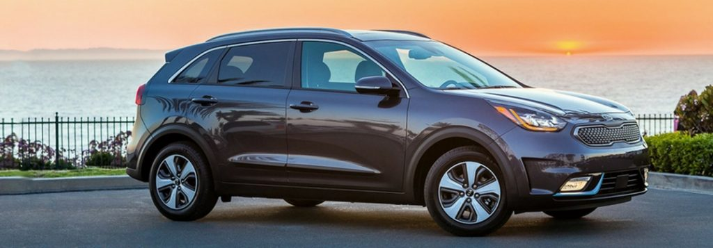 2018 kia niro plug-in hybrid model by sunset