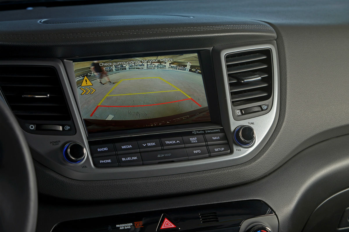 Close Up Of The Rearview Camera Display A 2018 Hyundai Tucson O Kia Optima Rear View Named Iihs Top Safety Pick