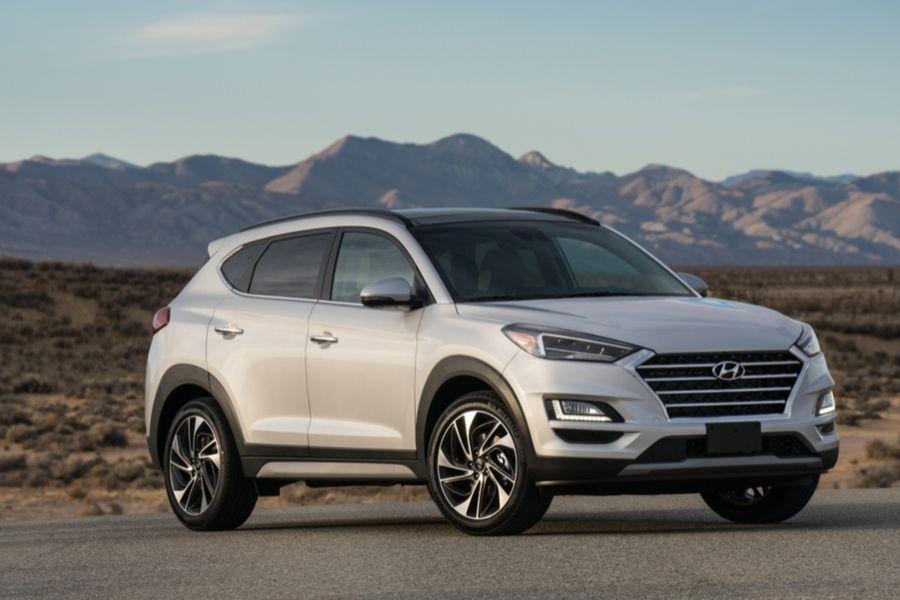 2020 Hyundai Tucson in front of mountain range