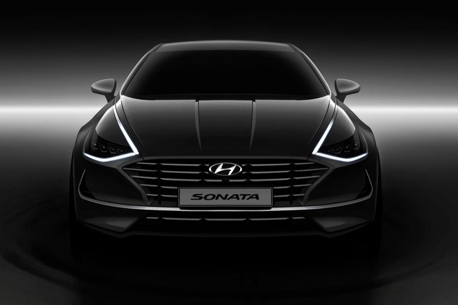 Black 2020 Hyundai Sontana from front with Daytime Lights on