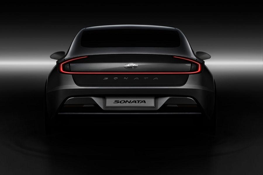 Rear view of black 2020 Hyundai Sontana