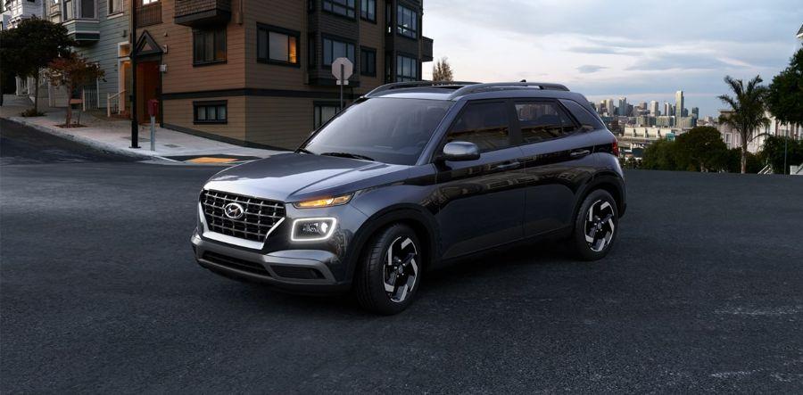 2020 Hyundai Venue Exterior Driver Side Front Profile in Black Noir Pearl