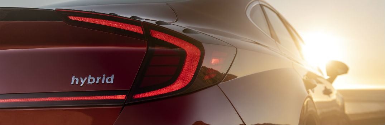 Comparing 2020 Hyundai Sonata Hybrid to Segment Competitors