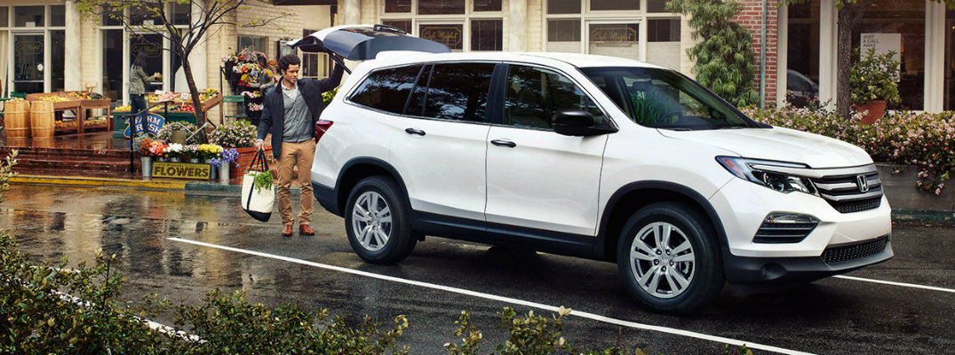 2017 Honda Pilot seating capacity and cargo volume