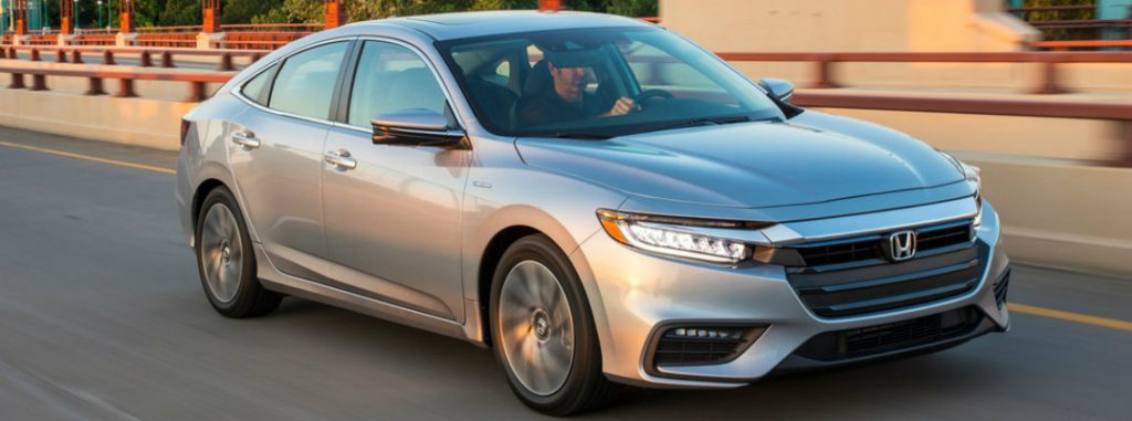 2019 honda insight driving on highway
