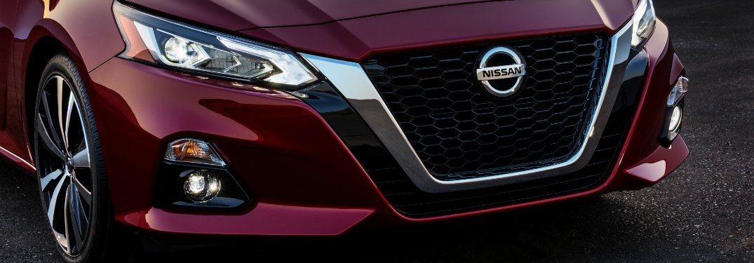 front view of the grille of the 2019 Nissan Altima