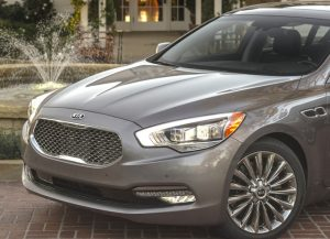 front end and fascia and grille and headlights of 2017 kia k900 shown to illustrate combined headlight technology
