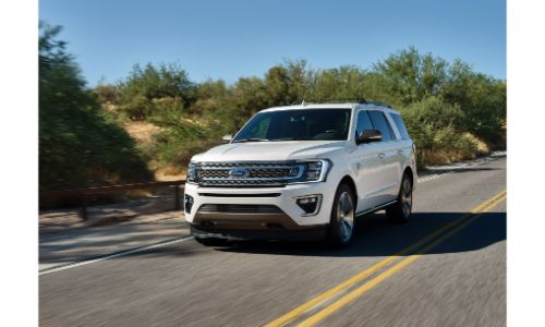 2020 Ford Expedition cruising on the road
