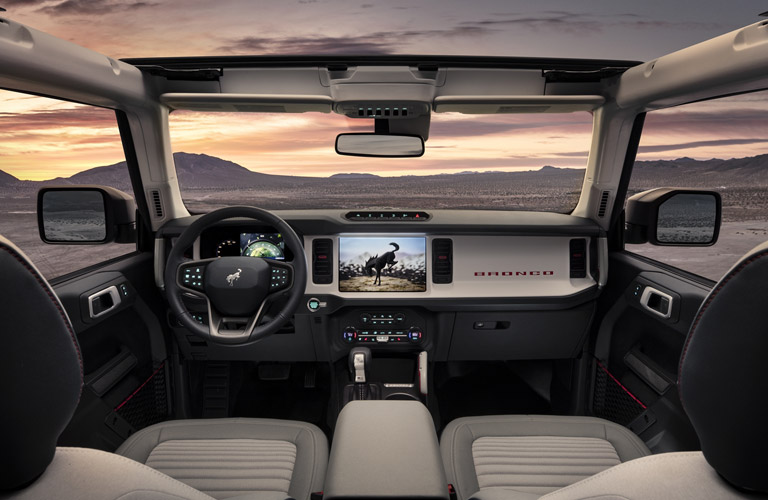 2021 Ford Bronco Outer Banks front seats