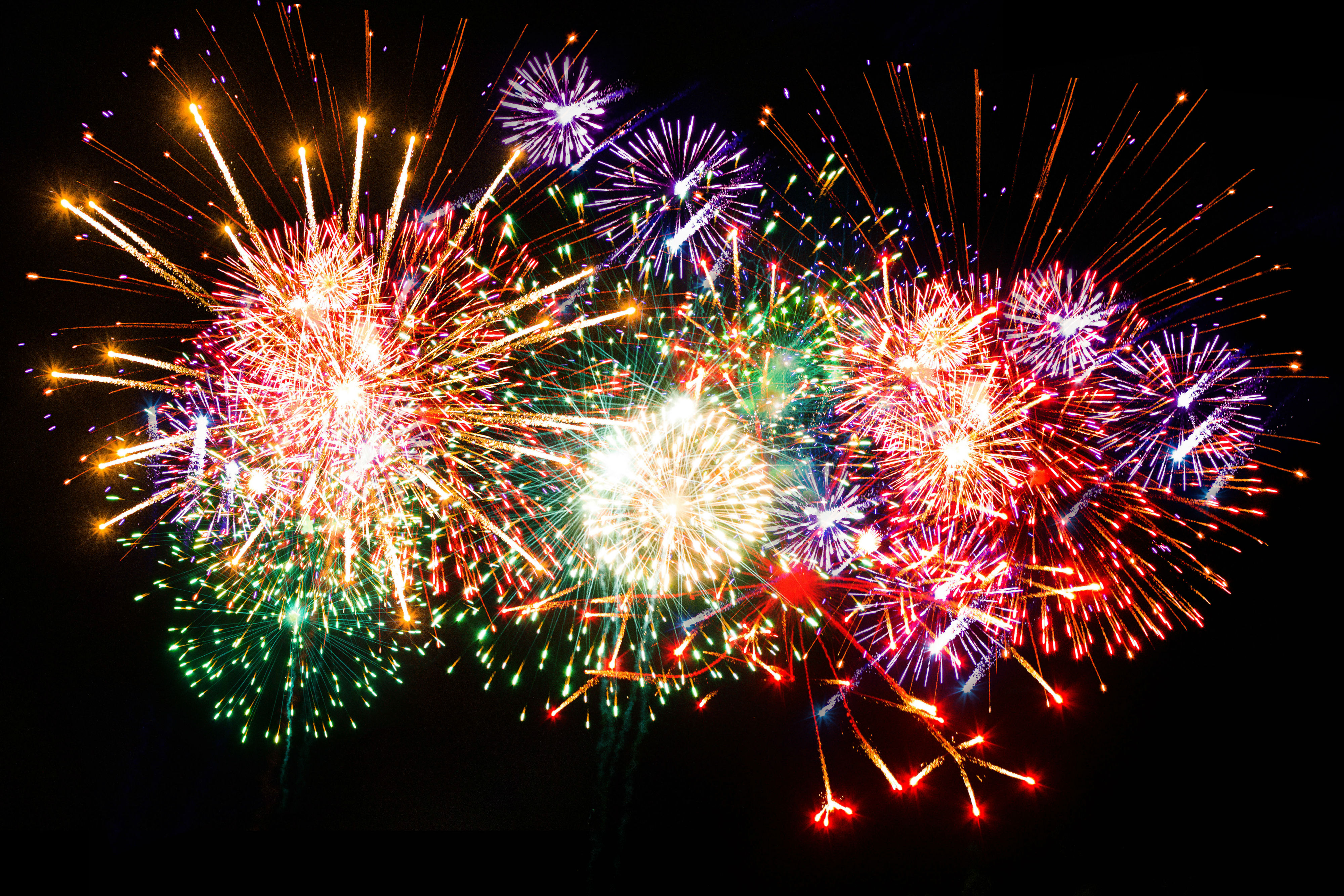 Fireworks in front of a black background - Fourth of july live wallpaper ...