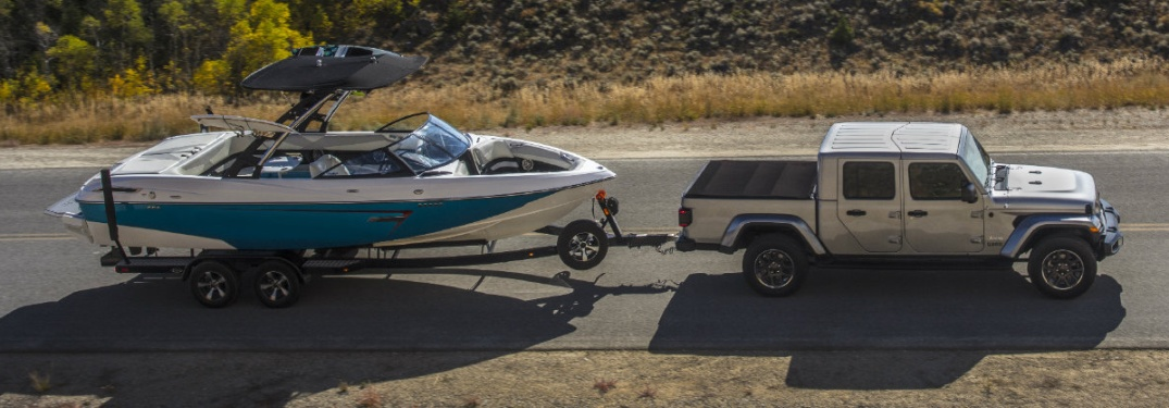 2020 Jeep Gladiator pulling a boat