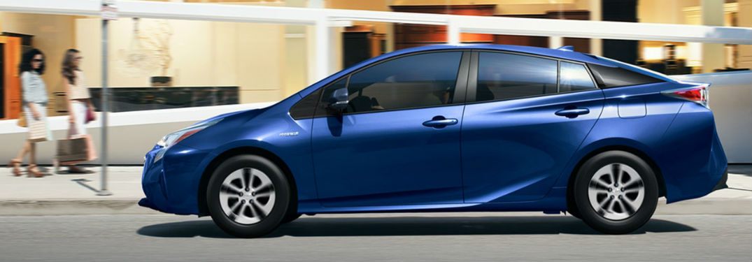 Toyota Prius offer top-notch fuel economy rating and sporty good looks