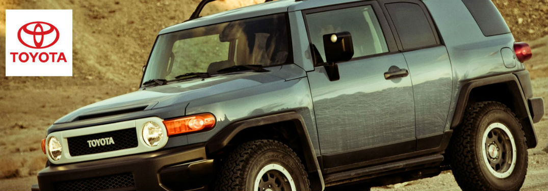 Toyota FJ Cruiser side profile
