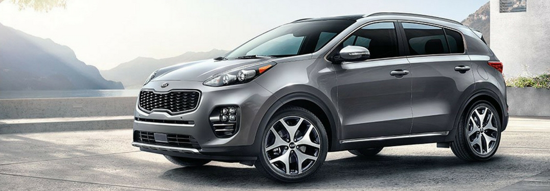 2018 kia sportage in sparkling silver side view