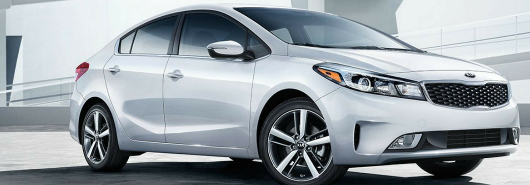 2018 kia forte in snow white