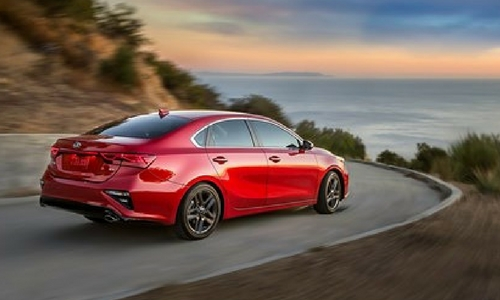 2019 kia forte rear view while driving