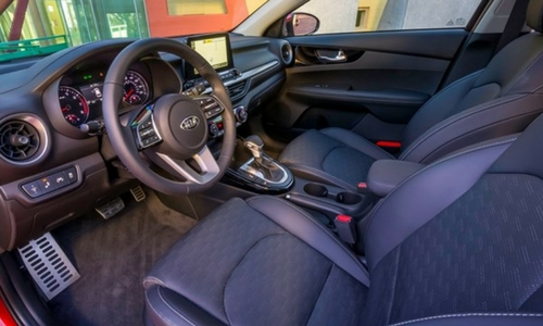 2019 kia forte front row seating and infotainment system