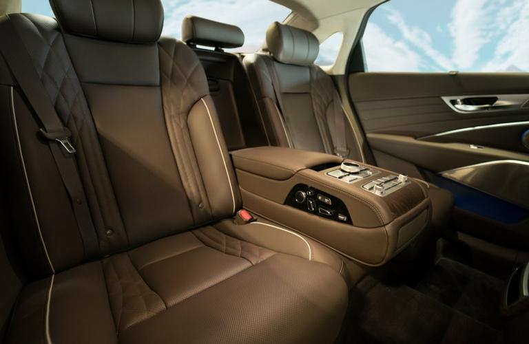 rear seats in kia k900