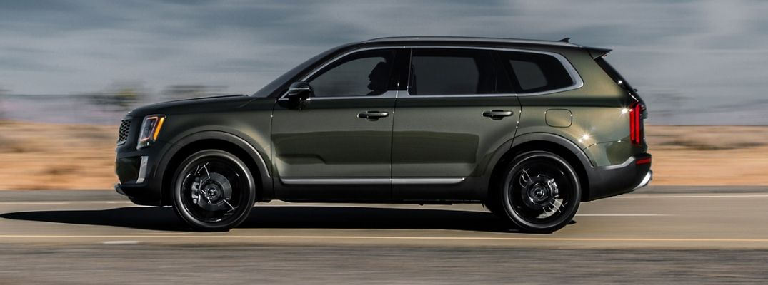 Exterior view of a green 2020 Kia Telluride SX