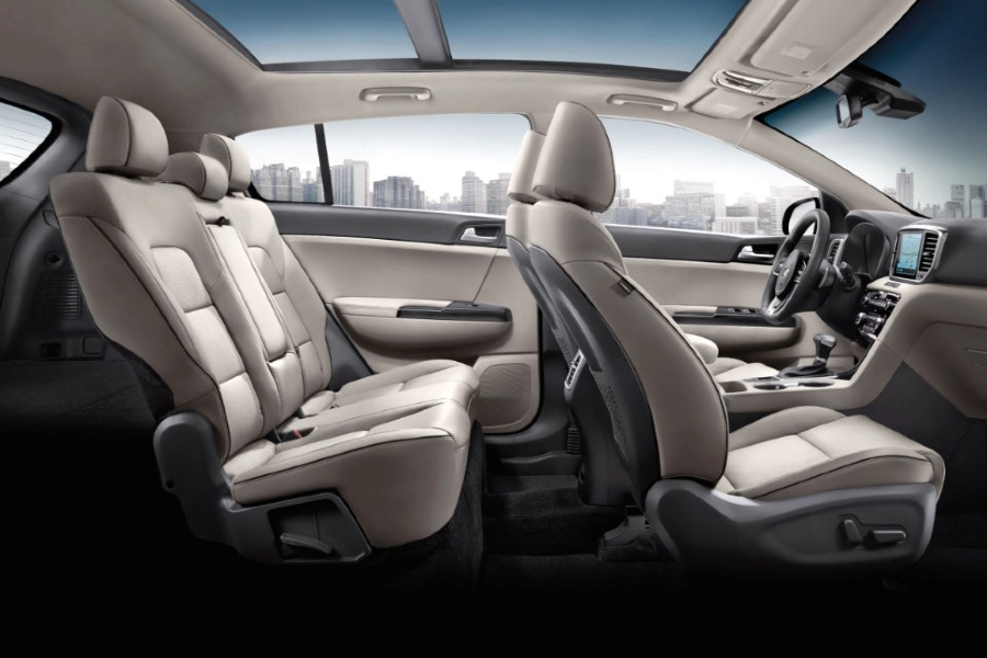 The front and rear seating options in the 2022 Kia Sportage.
