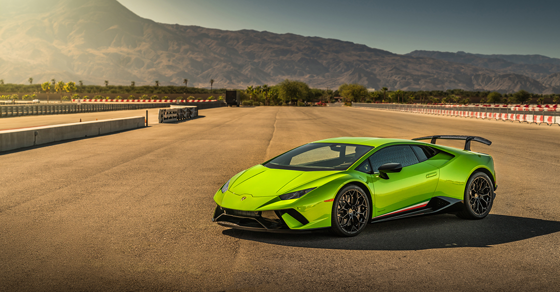 Driving a Supercar – A Guide to the New 2018 Lamborghini Huracan