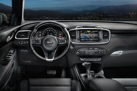 Cockpit view of the 2018 Kia Sorento