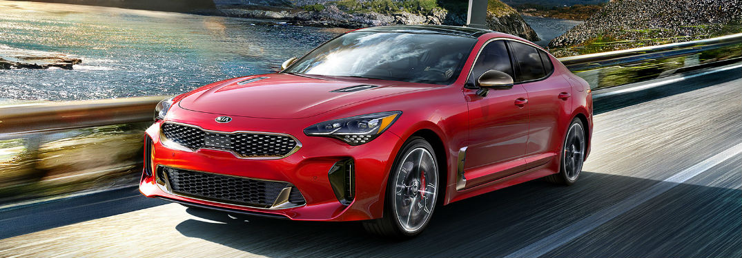 2019 Kia Stinger delivers impressive horsepower and torque ratings thanks to two innovative engine options