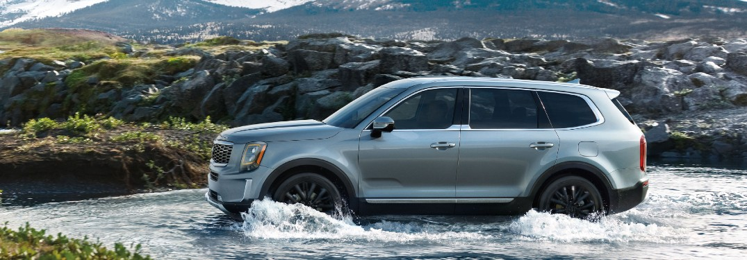 9 Exterior paint color options available when choosing the 2021 Kia Telluride SUV