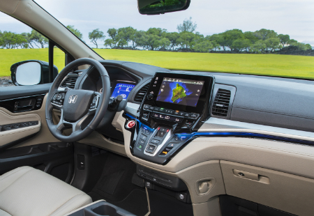 interior design and dashboard of the 2019 Honda Odyssey
