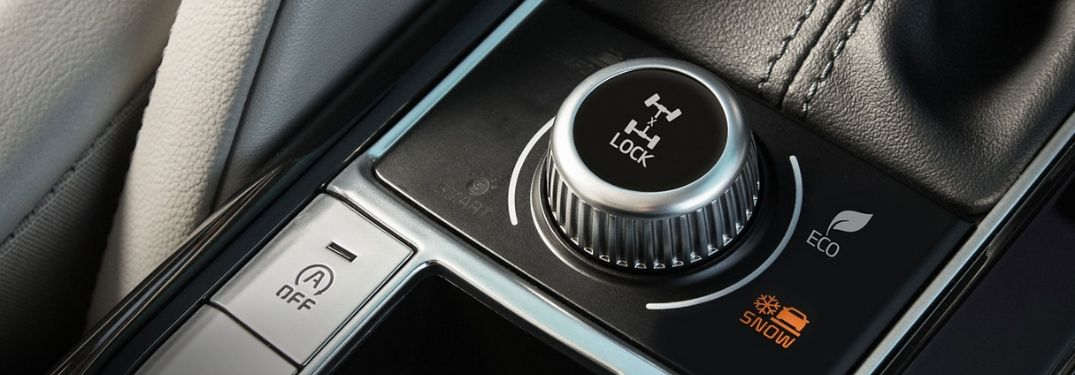 Close Up of 2020 Kia Telluride Drive Mode Dial and Center Console