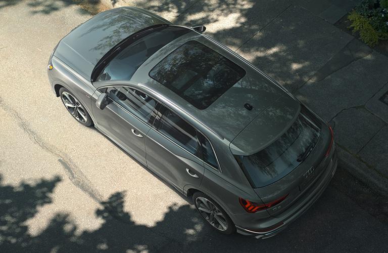 2020 Audi Q3 topview in gray