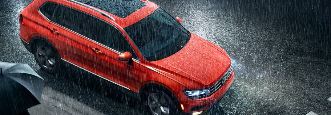 2019 Volkswagen Tiguan parked on a street in the rain