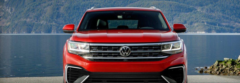 2021 Volkswagen Atlas Cross Sport from the front