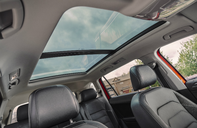 2018 Volkswagen Tiguan Power Sunroof O1 Volkswagen Of