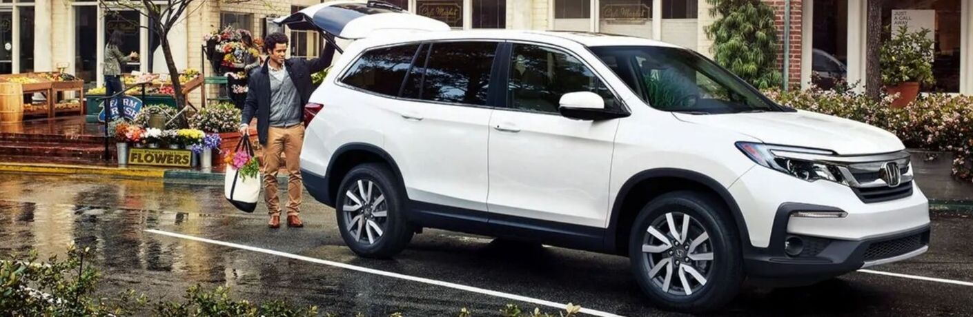 Exterior view of a white 2020 Honda Pilot