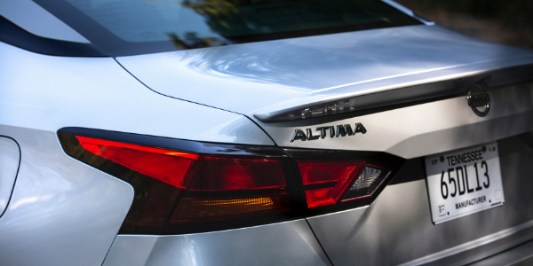 Closeup of silver 2020 Nissan Altima rear end