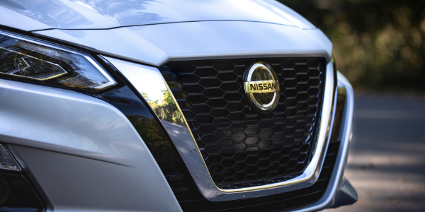 Closeup of silver 2020 Nissan Altima grille