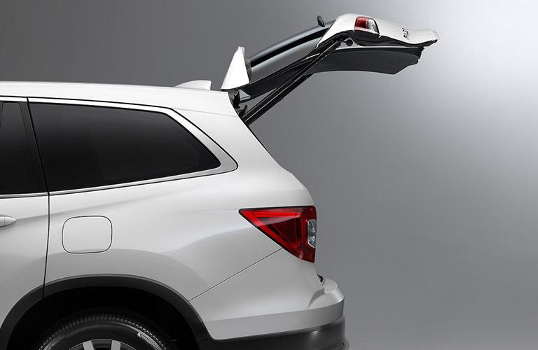 2021 Honda Pilot with hatch open